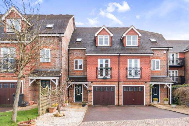 4 Bedrooms House for sale in Hindhead, Surrey