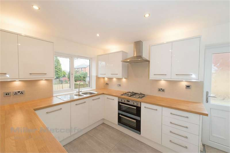 4 Bedrooms Detached House for sale in 26 Captains Clough Road, Smithills, Bolton, Lancashire