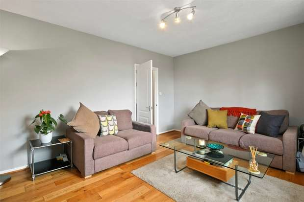 2 Bedrooms Flat for sale in Springfield House, Horn Lane, Acton