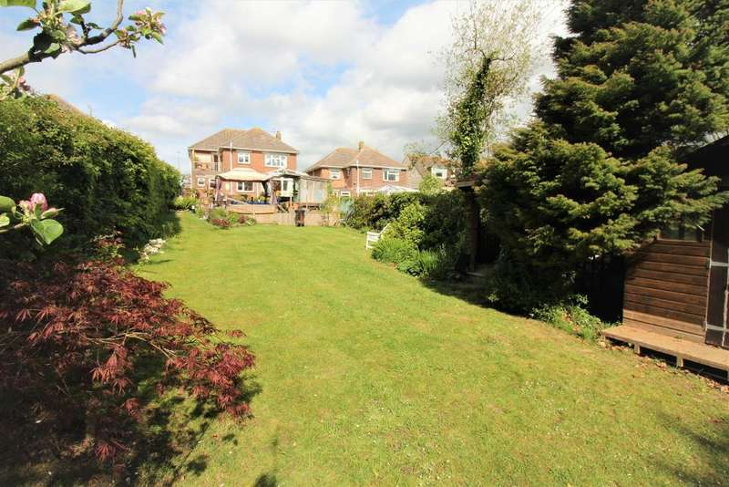 5 Bedrooms Detached House for sale in Greenway Close, Weymouth, DT3 5BQ