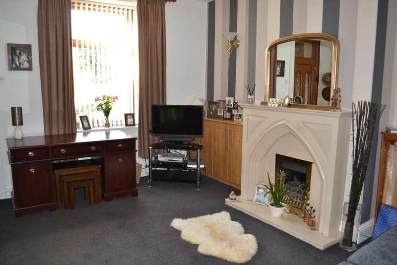 2 Bedrooms Cottage House for sale in Walverden Road, Briercliffe, Burnley BB10