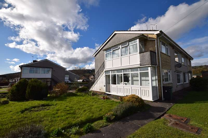 2 Bedrooms Ground Maisonette Flat for sale in Heol Lewis , Rhiwbina, Cardiff. CF14 6QB