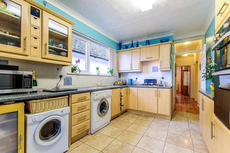 2 Bedrooms Semi Detached Bungalow for sale in Margate Road, Ramsgate, CT12