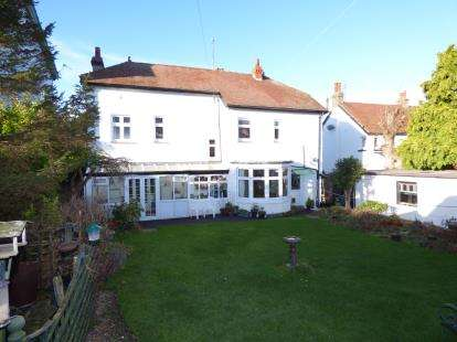4 Bedrooms Detached House for sale in Conway Road, Llandudno, Conwy, LL30