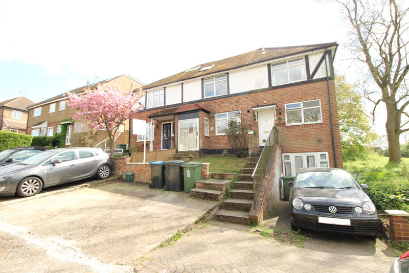 3 Bedrooms Semi Detached House for sale in Adeyfield/Town Centre Boarders