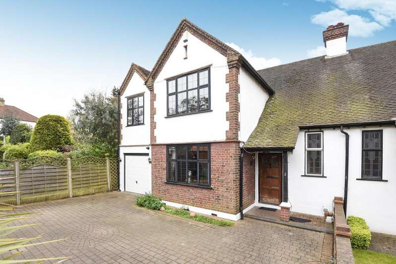 4 Bedrooms Semi Detached House for sale in Highfield Drive West Wickham BR4