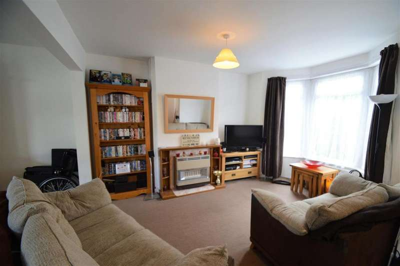 3 Bedrooms Terraced House for sale in Valley Road, Gillingham