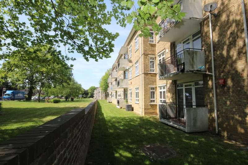 3 Bedrooms Flat for sale in Dulwich Common, Dulwich, SE22