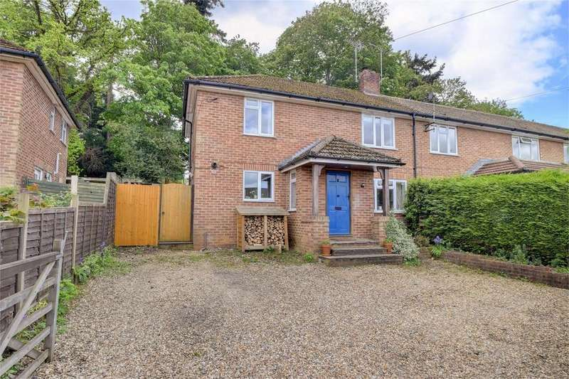 3 Bedrooms Semi Detached House for sale in Dennis Way, LISS, Hampshire