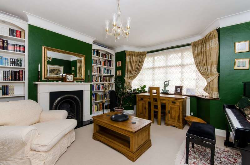 3 Bedrooms House for sale in Christian Fields, Norbury, SW16