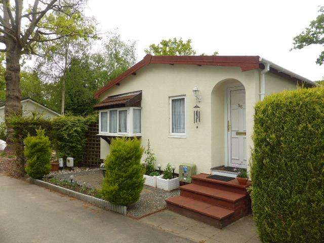 2 Bedrooms Park Home Mobile Home for sale in Lyne
