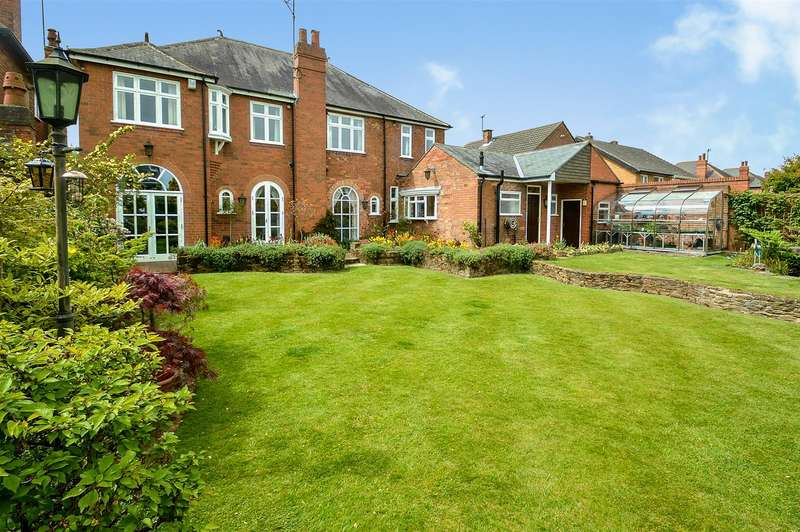 5 Bedrooms Detached House for sale in Douglas Road, Long Eaton