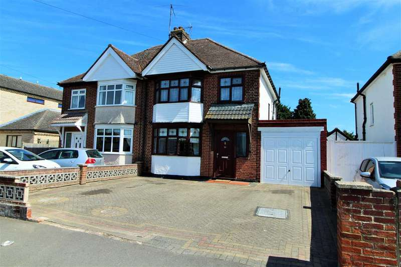 3 Bedrooms Semi Detached House for sale in Plume Avenue, Prettygate, Colchester