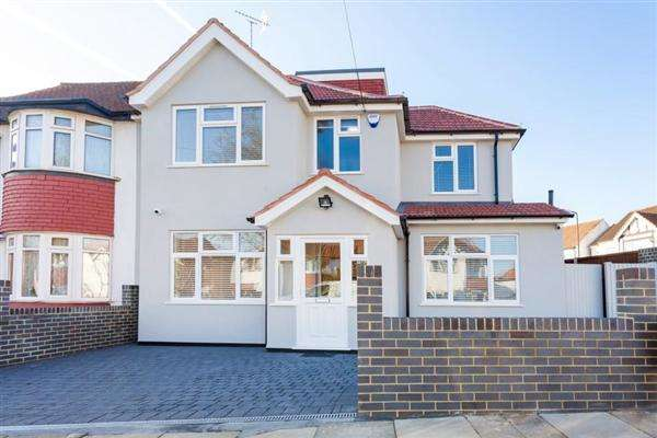 6 Bedrooms End Of Terrace House for sale in Boycroft Avenue, Kingsbury