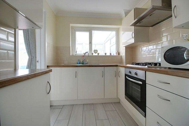 3 Bedrooms Terraced House for sale in South Green Gardens, Dereham