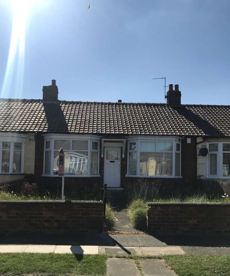 2 Bedrooms Bungalow for sale in Roseberry Road, Middlesbrough, Cleveland, TS4 2LL