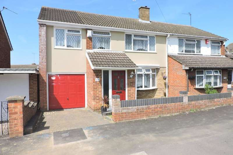 4 Bedrooms Semi Detached House for sale in Atholl Close, Luton, Bedfordshire, LU3 3LD