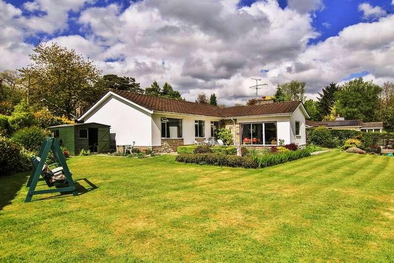 4 Bedrooms Detached Bungalow for sale in Coed Y Paen, Pontypool