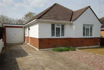 3 Bedrooms Detached Bungalow for rent in ANCHOR ROAD - BOURNEMOUTH