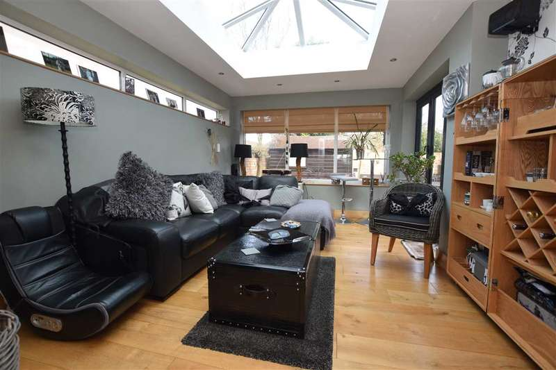 4 Bedrooms Detached House for sale in Villiers Place, Boreham, Chelmsford