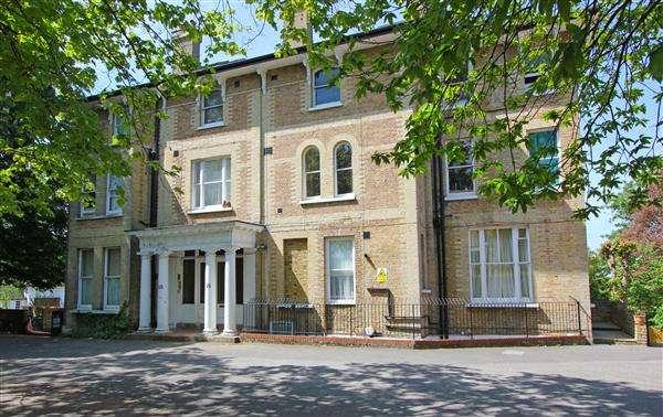 1 Bedroom Apartment Flat for sale in Croindene Court, 38 Bramley Hill, Croydon