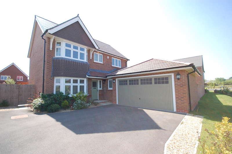 4 Bedrooms Detached House for sale in Hollywood Way, Blackpool
