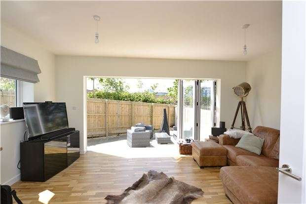 4 Bedrooms Terraced House for sale in Grittleton Road, Horfield, Bristol, BS7 0XD