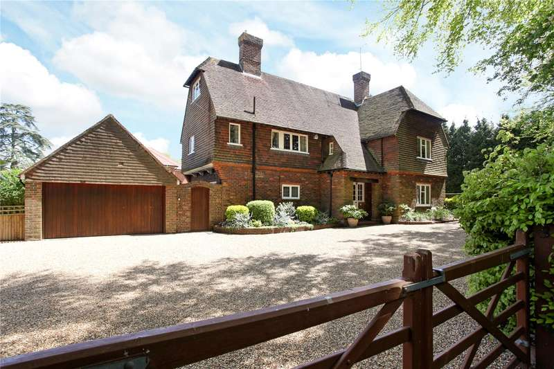 5 Bedrooms Detached House for sale in Trodds Lane, Guildford, Surrey, GU1