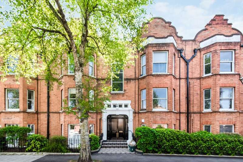 3 Bedrooms Flat for sale in Flanders Road, Chiswick W4