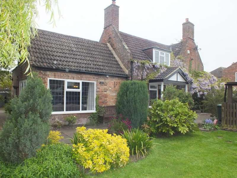 5 Bedrooms Cottage House for sale in Church Walk, Pinchbeck
