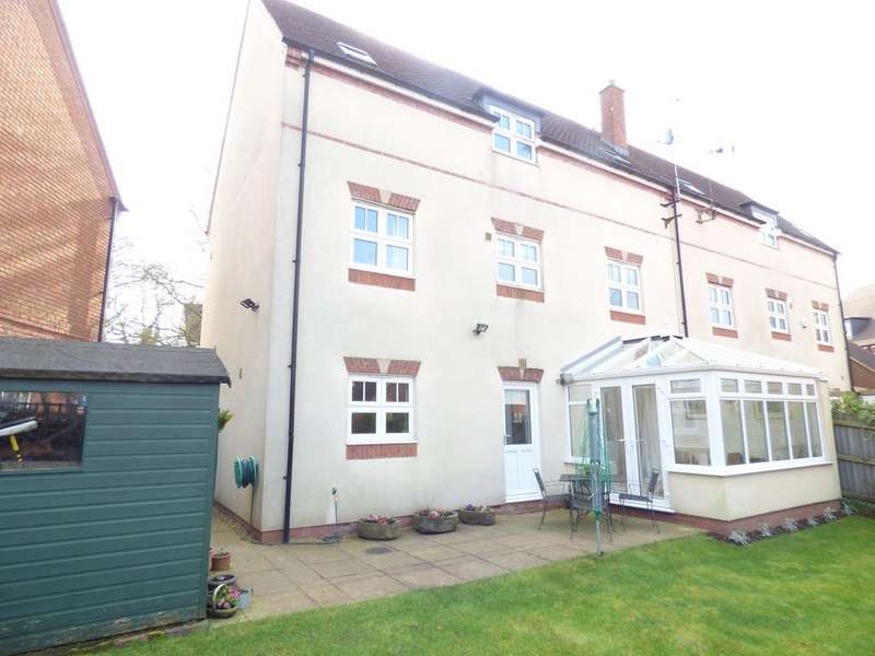4 Bedrooms Semi Detached House for sale in Feldon Way, Stratford-upon-Avon
