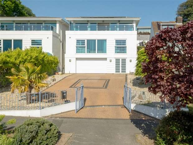 4 Bedrooms Detached House for sale in Brownsea View Avenue, Lilliput, Dorset