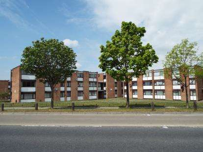 2 Bedrooms Flat for sale in Adastral Road, Poole, Dorset