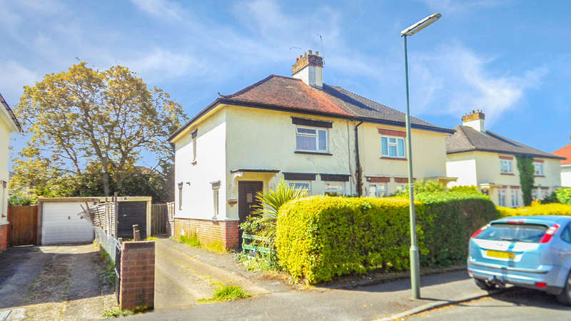 3 Bedrooms Semi Detached House for sale in Worple Avenue, Staines-upon-Thames
