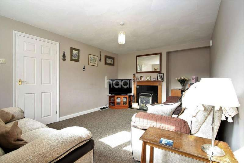 3 Bedrooms Semi Detached House for sale in Off Putnoe Street