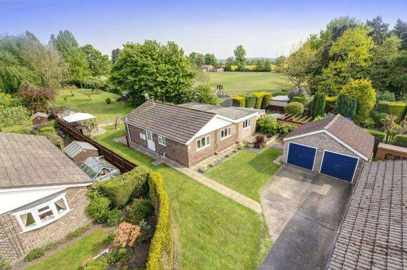 3 Bedrooms Detached Bungalow for sale in WILLOW CLOSE, ASTON ON TRENT
