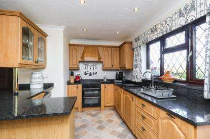 4 Bedrooms Detached House for sale in Higher Common Close, Buckley, Flintshire, ., CH7
