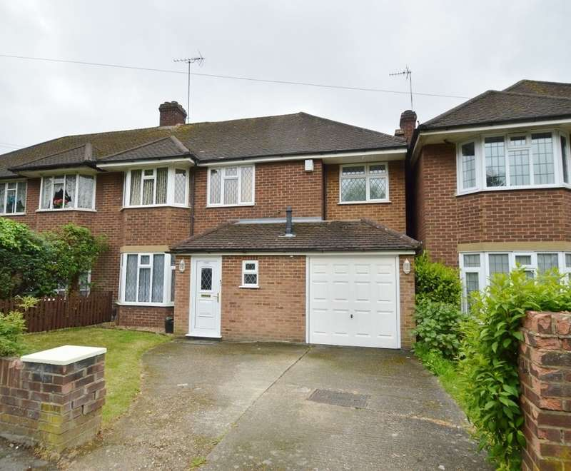 4 Bedrooms Semi Detached House for sale in London Road, Langley, SL3