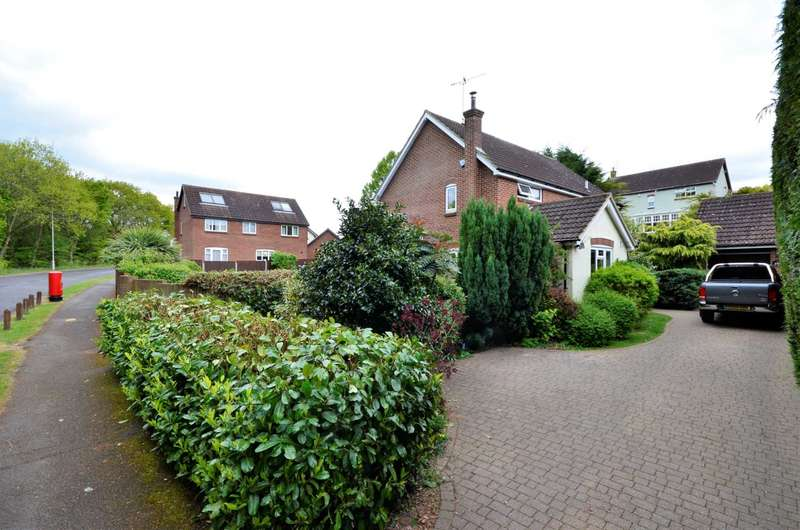 4 Bedrooms Detached House for sale in Rosebay Avenue, Billericay