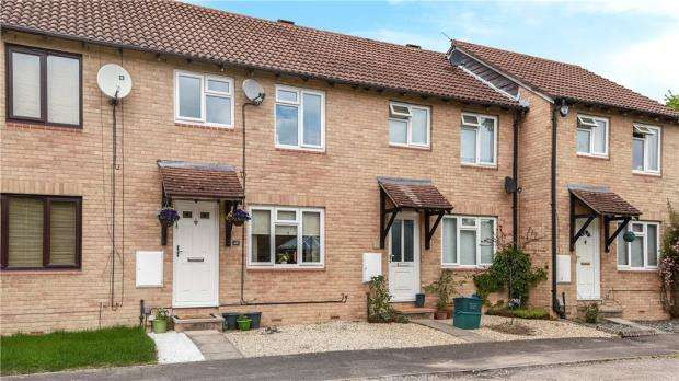 3 Bedrooms Terraced House for sale in Willow Tree Glade, Calcot, Reading