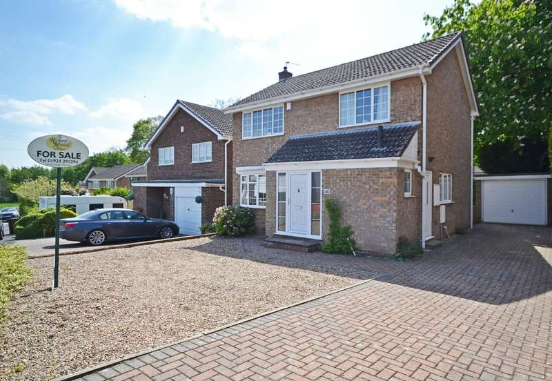 3 Bedrooms Detached House for sale in Sinclair Garth, Sandal, Wakefield
