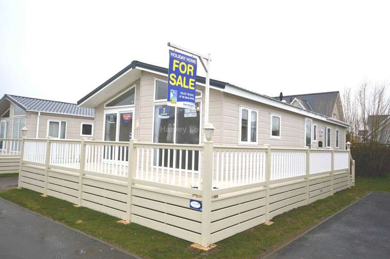 3 Bedrooms Lodge Character Property for sale in Seaview Holiday Park, St Johns Road, Whitstable