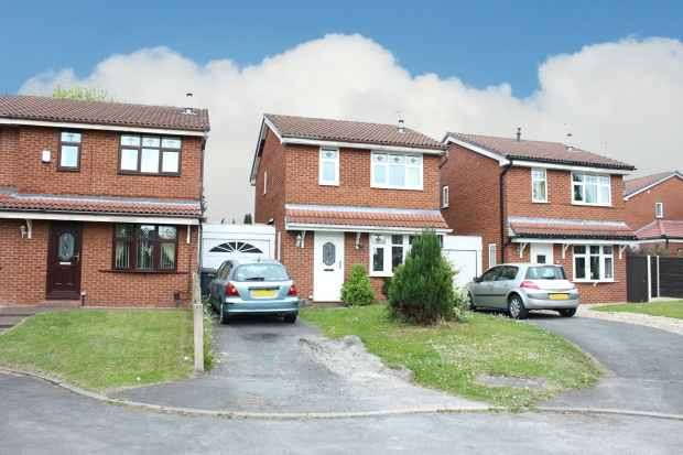 3 Bedrooms Detached House for sale in Wrington Close, Leigh, Lancashire, WN7 5DU