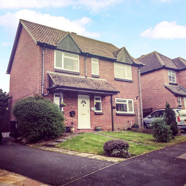 4 Bedrooms Detached House for sale in Greenacres Drive, Hailsham, Hailsham, BN27