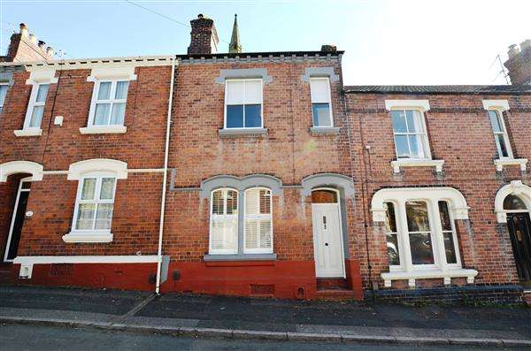 3 Bedrooms Terraced House for sale in West Street, Newcastle, Newcastle-under-Lyme