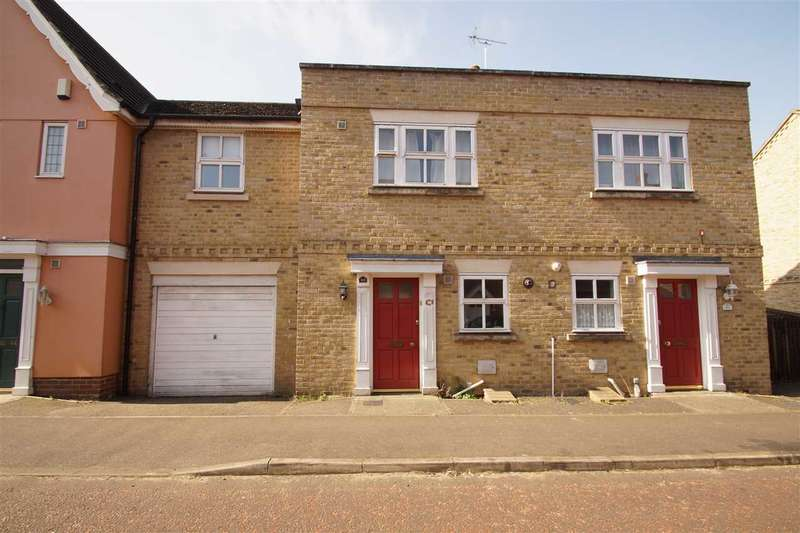 3 Bedrooms Semi Detached House for sale in Mascot Square, Colchester