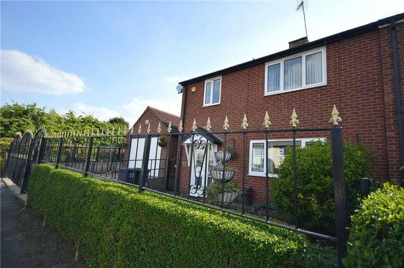 3 Bedrooms Semi Detached House for sale in Alderton Rise, Leeds, West Yorkshire