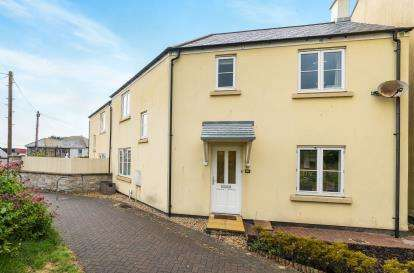 4 Bedrooms End Of Terrace House for sale in Hayle, Cornwall
