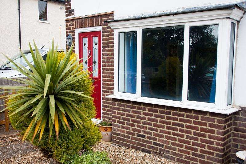 3 Bedrooms End Of Terrace House for rent in Ardler Road, Caversham, Reading, Berkshire, RG4 5AE