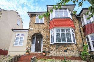 3 Bedrooms Semi Detached House for sale in Leamington Avenue, Bromley